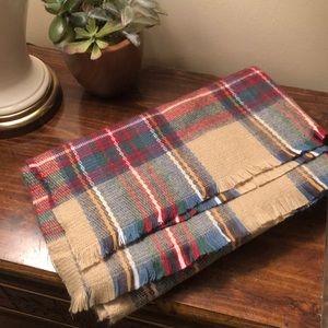 Accessories - HUGE soft plaid scarf